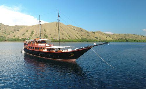 Samata Phinisi Ship